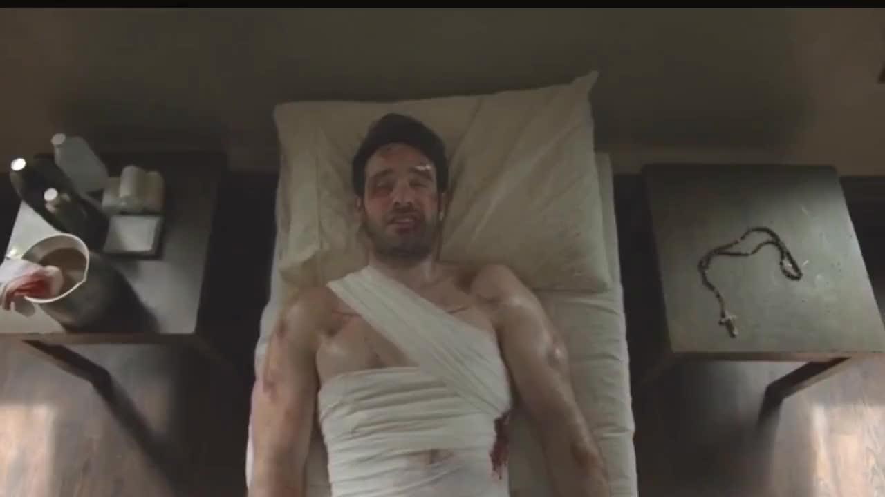 charlie cox, The Defenders Netflix Final Scene Daredevil Alive GIFs