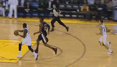Watch this trending GIF on Gfycat. Discover more 102413, 2010s, 2013 Preseason, Basketball, Draymond Green, Dunk, Golden State Warriors, Klay Thompson, NBA, Pass, gif GIFs on Gfycat