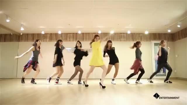 Watch 송지은(SONGJIEUN) - 예쁜나이 25살 안무영상(Dance Practice) GIF on Gfycat. Discover more related GIFs on Gfycat