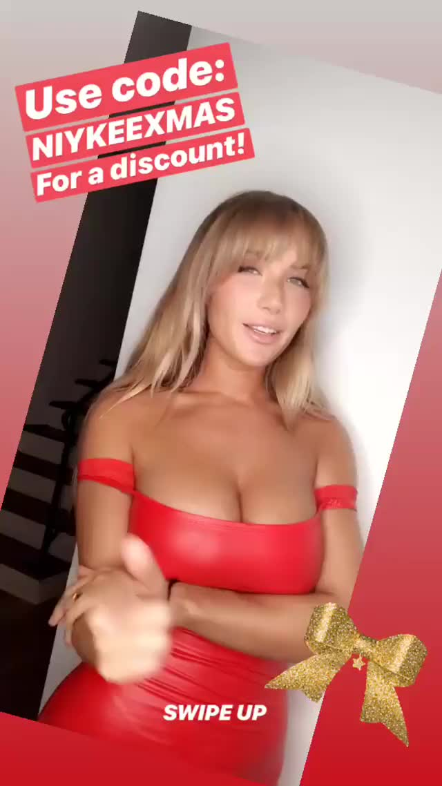 Watch niykeeheaton 2018-12-24 01:25:23.675 GIF by Pams Fruit Jam (@pamsfruitjam) on Gfycat. Discover more related GIFs on Gfycat