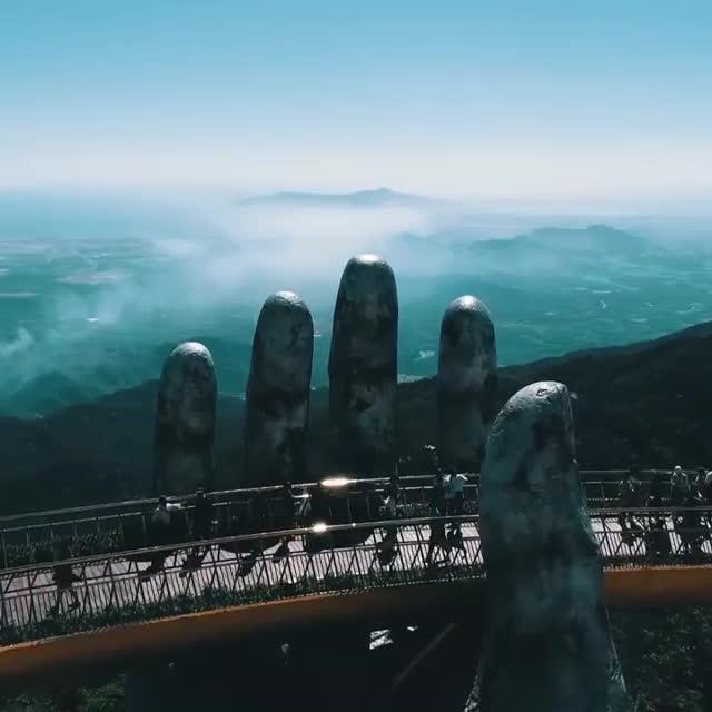 StreetArtGlobe ™, Golden bridge on Ba Na Hills, Da Nang, Vietnam 🌁 📹 Amazing Things in Vietnam (youtube/facebook) . Follow @ARTMEMEKING GIFs
