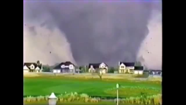 Watch and share Andover GIFs and Tornado GIFs by SLR107FR31 on Gfycat