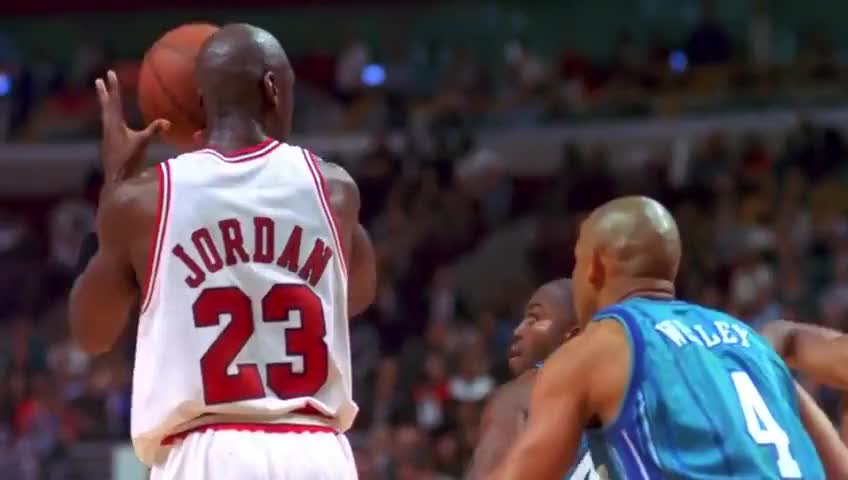 Michael Jordan fakes out Glen Rice GIFs