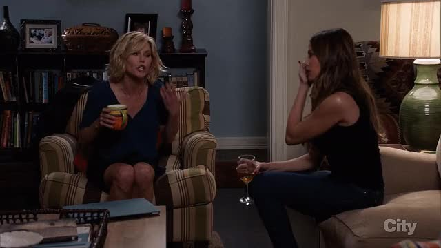 Watch this trending GIF on Gfycat. Discover more Crossing Legs, Julie Bowen, Legs, gentlemanbonersgifs GIFs on Gfycat