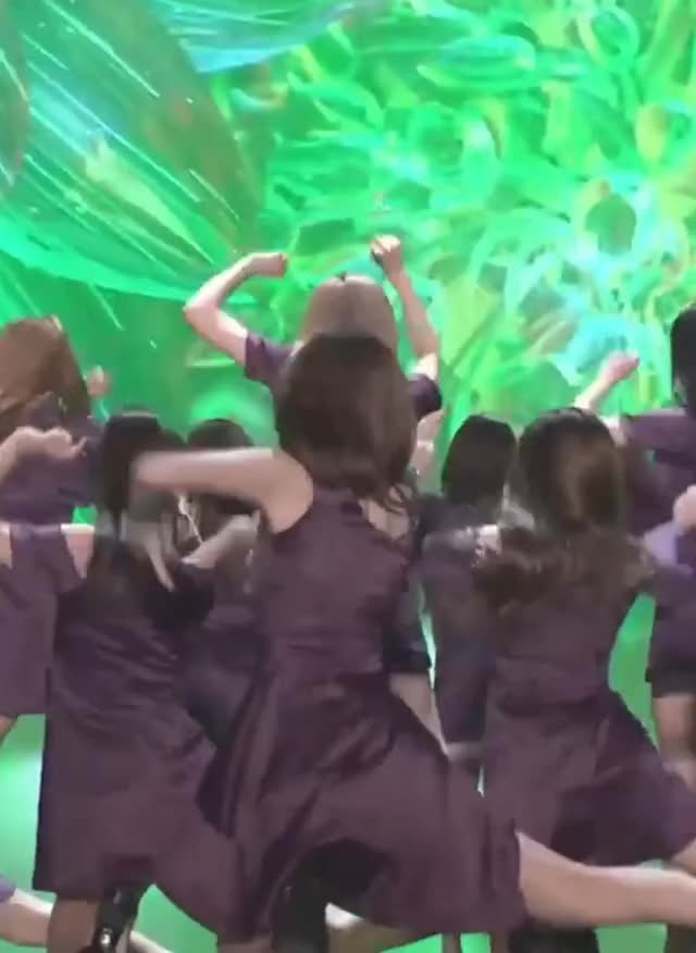 Watch and share Izone GIFs by Chuy711 on Gfycat