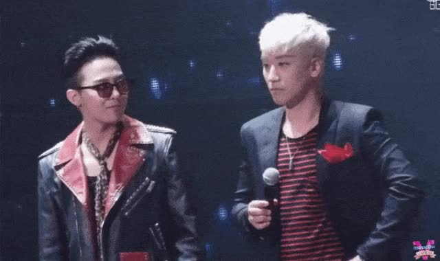 Watch this GIF on Gfycat. Discover more kpopgfys GIFs on Gfycat