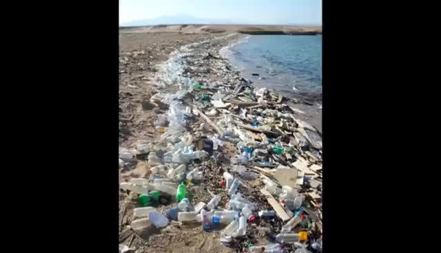 Watch and share THE OCEAN CLEANUP - Plastic GIFs on Gfycat