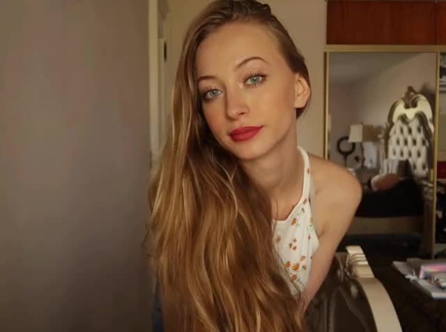 Watch and share Sophia Diamond GIFs by shapesus on Gfycat