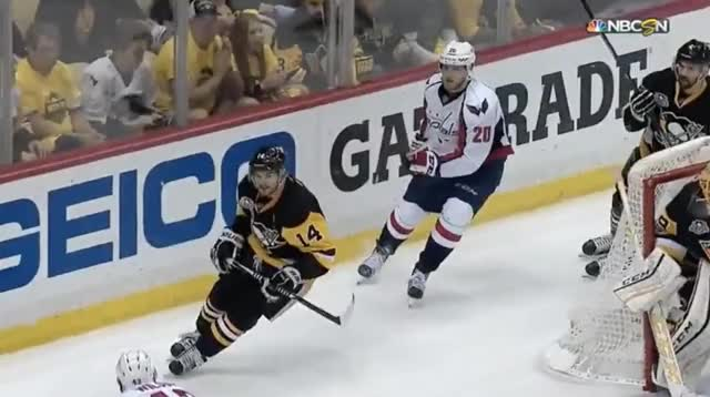 Watch and share Wilson Almost Knee's Kunitz GIFs by Flintor on Gfycat