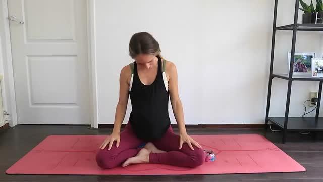 Yoga Prenatal Principiantes I Yoga Para Embarazadas En Espanol Gif Gfycat