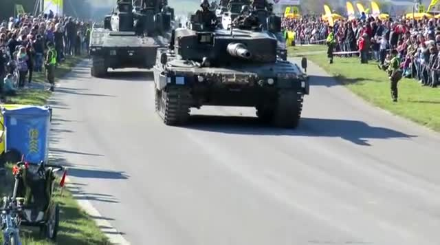 Air Force, Defile, Defilee, Swiss, Swiss Army, Switzerland, Tanks, Thun, Thun meets Army, Thunersee, Swiss army GIFs