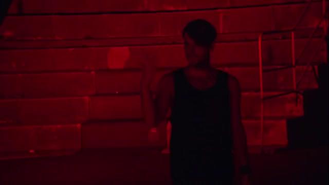 2CELLOS - Thunderstruck [Live at Arena di Verona] GIF   Find, Make