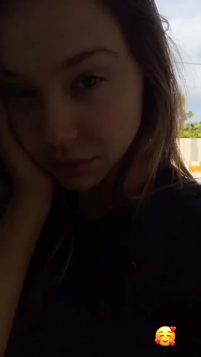 Watch alexisren~1551544081~1990818519089215649 28656806 GIF on Gfycat. Discover more related GIFs on Gfycat
