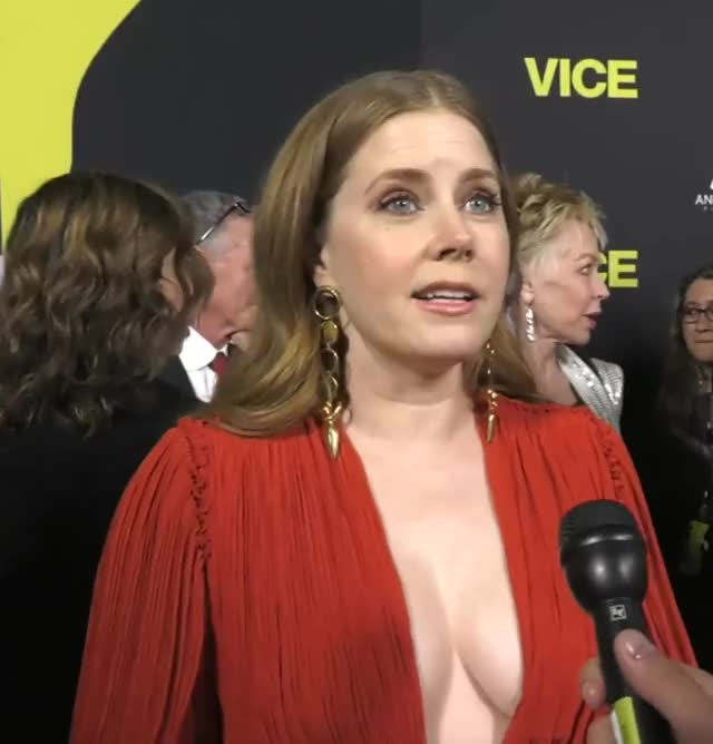 Watch and share Amy Adams - Vice Red Carpet GIFs on Gfycat