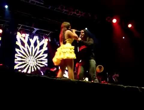 Watch and share Paulinha Abelha GIFs and Calcinha Preta GIFs on Gfycat