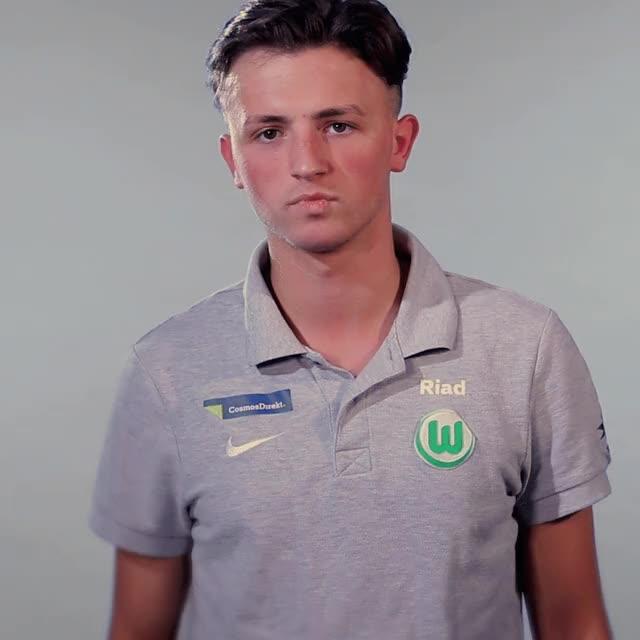 Watch and share RIAD BoredApplaus GIFs by VfL Wolfsburg on Gfycat