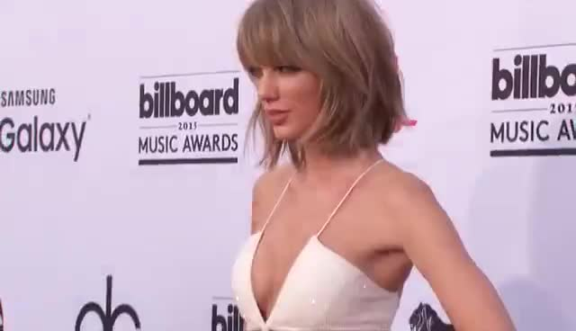 Taylor Swift red carpet., red carpet, taylor swift, taylor swift red carpet., Taylor Swift Billboard red carpet 2015. GIFs