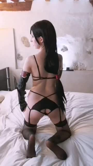tifa wants u watch her booty closely  Do u like clips with those views?