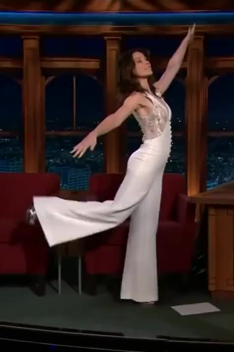 Watch and share Evangeline Lilly GIFs by Ricky Bobby on Gfycat