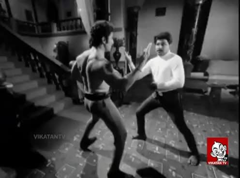 Watch and share Smile Please | Tamil Actors Funny Fight Scenes | Vikatan TV GIFs on Gfycat