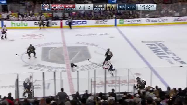 Watch and share Washington Capitals GIFs and Braden Holtby GIFs by Hokej a vše kolem něj on Gfycat