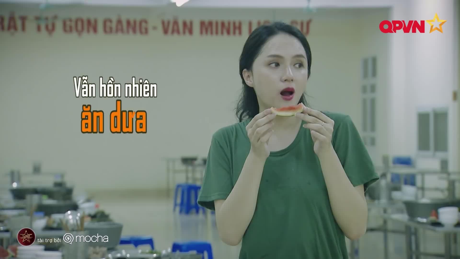 Hương Giang ơi, hoa hậu cũng đậu rồi, ăn uống thỏa thích đi thôi!