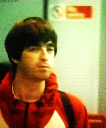 Watch and share Noel Gallagher GIFs and Celebs GIFs on Gfycat