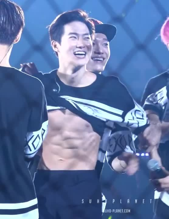 EXO, kfanservice, suho, 몸으로 표현할게요..? (SUHO focus) GIFs