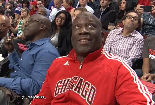 Watch Bulls fan thumbs up reaction GIF by MarcusD (@-marcusd-) on Gfycat. Discover more Troy Carter, chicagobulls GIFs on Gfycat