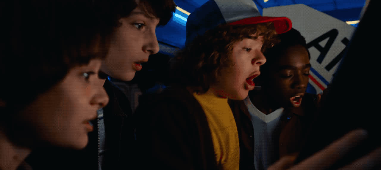 arcade, omg, stranger things, Stranger Things - Arcade OMG GIFs
