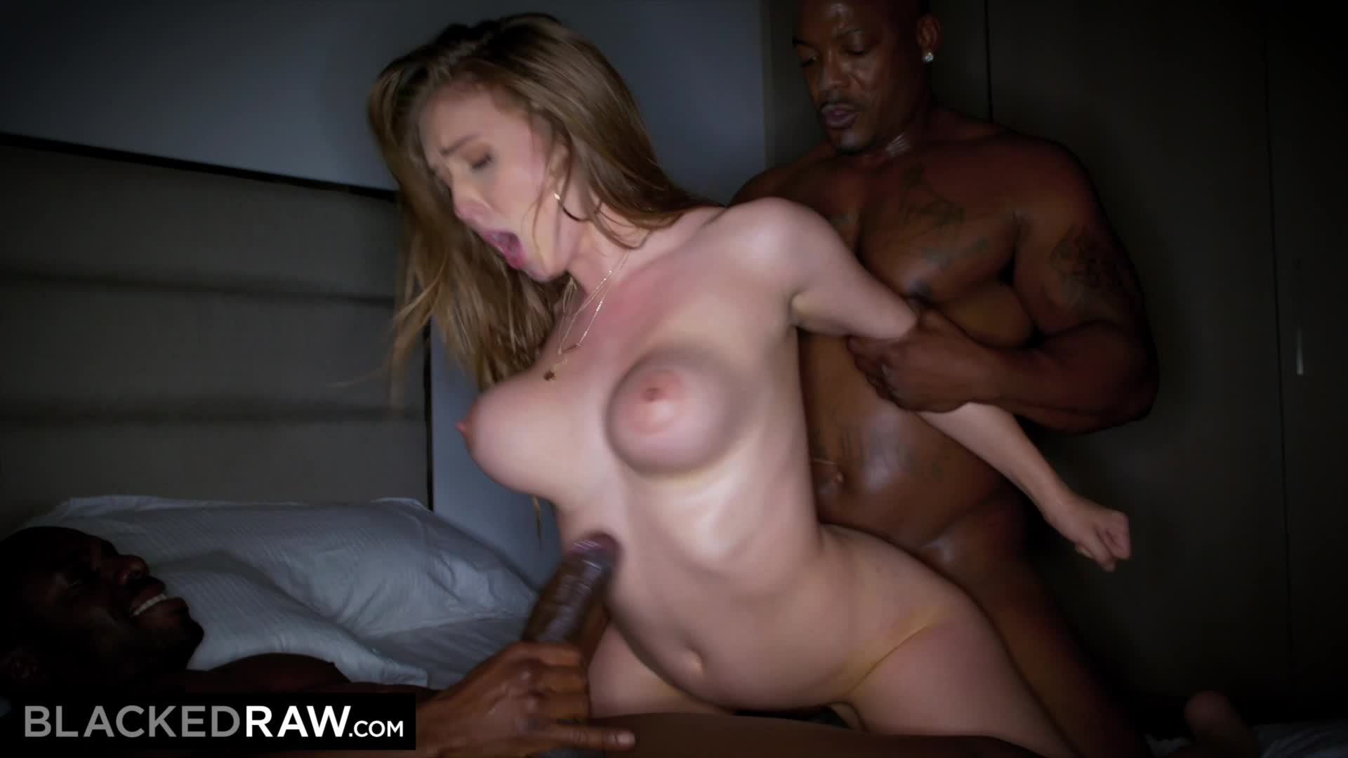 Amateur Wife Bouncing Ass On Cock