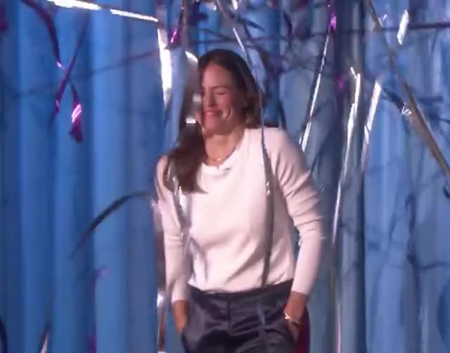 Watch this jennifer garner GIF by Super GIF (@supergif) on Gfycat. Discover more beautiful, celebate, celebrate, confetti, cover, cute, garner, glad, grateful, happy, issue, jennifer, party, people, smile, star, thank, victory, win, yeah GIFs on Gfycat