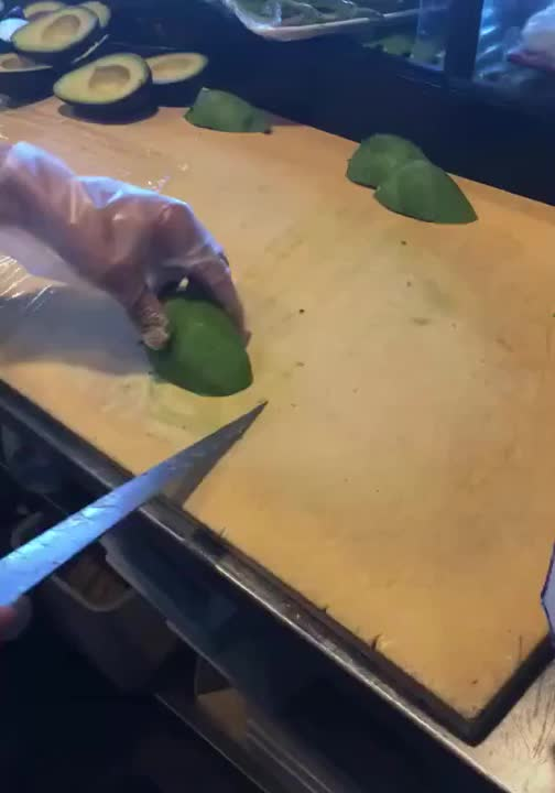 alystair, The way he cuts avocados GIFs