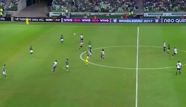 Watch and share Que Bonito! Felipe Melo Aplica Lindo Lençol Para Cima De Nenê Em Goleada Do Palmeiras No Vasco GIFs on Gfycat
