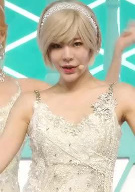 Yuri kwon genie dance cum tribute 3