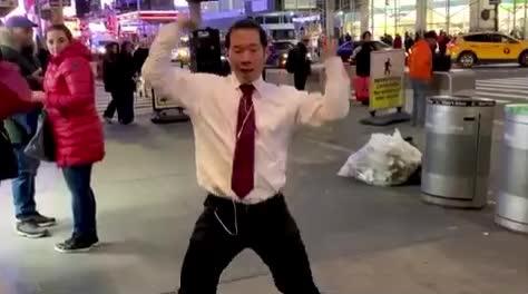 aloud, dance, dancing, dj, epic, flashmob, flirt, funny, headphones, lol, public, qpark, sexual, sexy, sing, snake, street, taki, takitaki, youtuber,