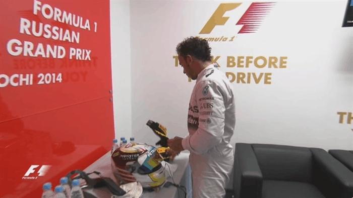 formula1, Hamilton shops for a hat, and Bottas ducks out of a Putin conversation. (reddit) GIFs