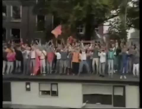 Watch and share Huldiging GIFs and Nederland GIFs on Gfycat