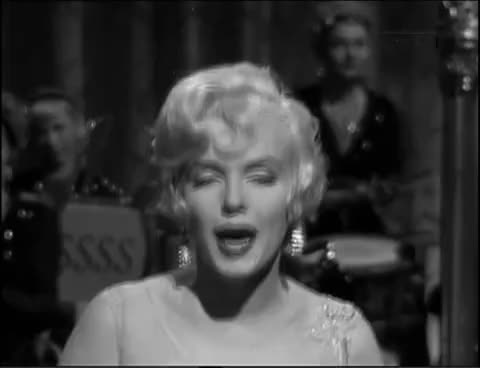 I wanna be loved by you, Marilyn Monroe GIFs