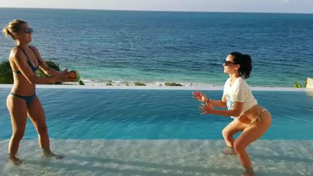 olivia munn, Olivia Munn (reddit) GIFs