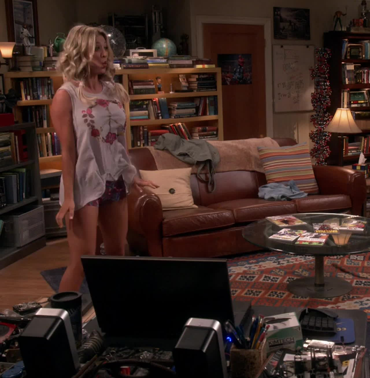 Kaley Cuoco Dancing Shaking her Big Tits on Big Bang Theory