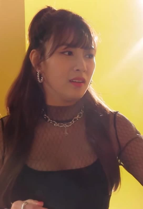 Watch and share 오하영 Apink-log MV촬영8 GIFs by koreaactor on Gfycat