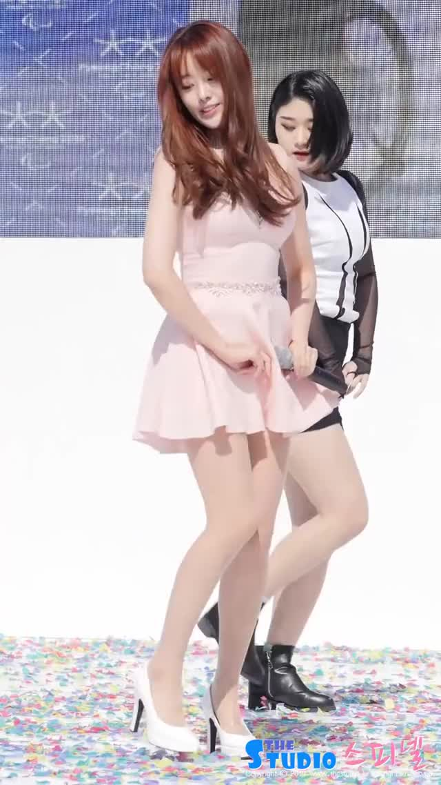 Watch [60fps] 150314 평창패럴림픽데이 시크릿 송지은 직캠 예쁜나이 25살 by Spinel GIF by danny642us on Gfycat. Discover more spinel GIFs on Gfycat