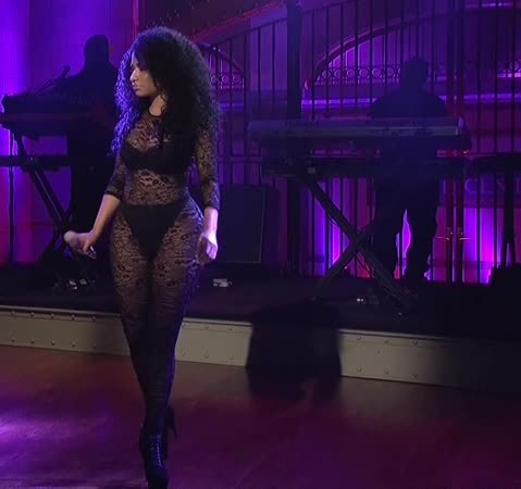 Nicki_Minaj, onstagegw, Nicki Minaj performing (68 videos in comments) (reddit) GIFs