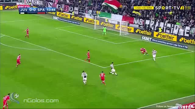 Watch and share (www.nGolos.com) Juventus 1-0 Spal - Bernardeschi 14' (Great Goal) GIFs by minieri on Gfycat