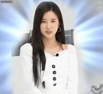 Watch and share 에이핑크 초롱 GIFs on Gfycat