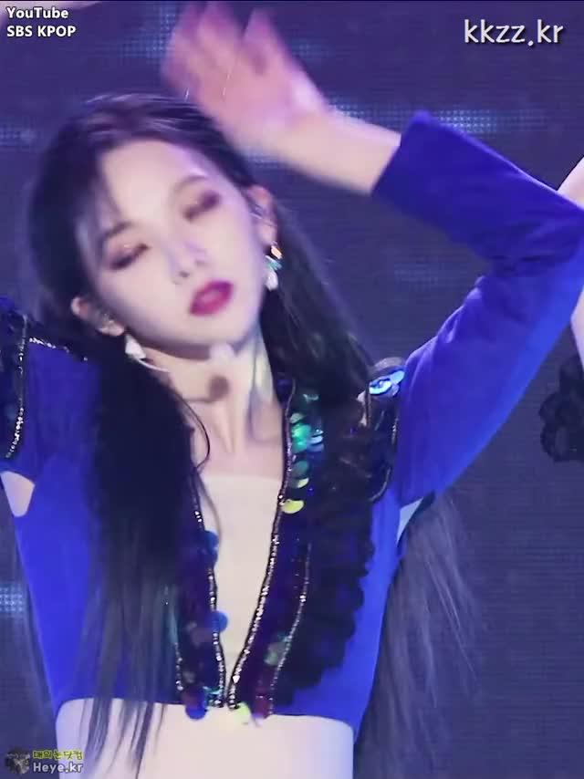 Watch and share Karina GIFs and Aespa GIFs by 매의눈닷컴(▶heye.kr) on Gfycat
