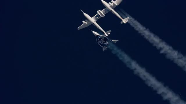 Watch Virgin Galactic In Space For The First Time GIF by @saberaltera on Gfycat. Discover more astronaut, richardbranson, space, spaceflight, spaceship unity, spaceshiptwo, virgin, virgin galactic, vss unity, zerog GIFs on Gfycat