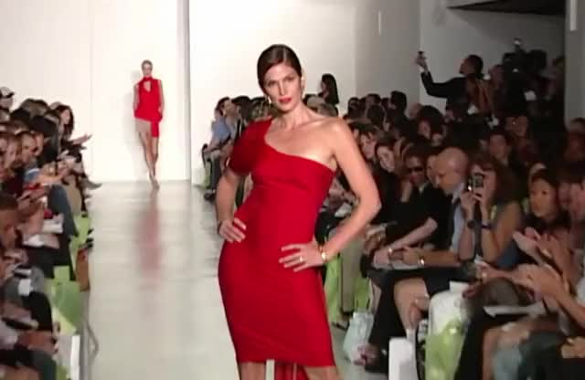 Watch this cindy crawford GIF by The GIF Farmer (@giffarmer) on Gfycat. Discover more 90's, cindy, cindy crawford, crawford, dress, fashion, icon, red, supermodel GIFs on Gfycat