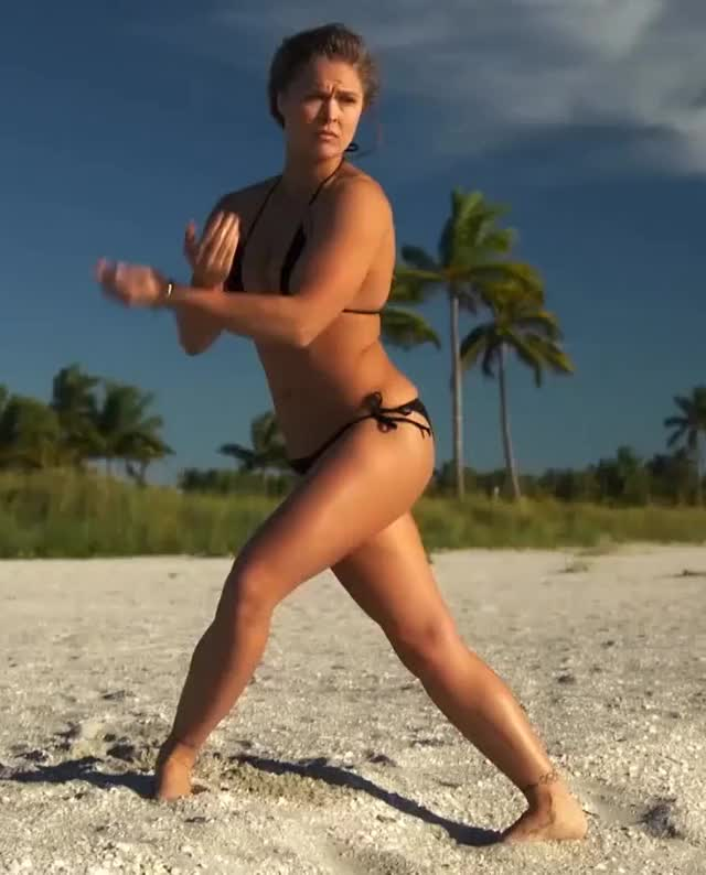 Watch and share Ronda Rousey GIFs by HHBunz on Gfycat